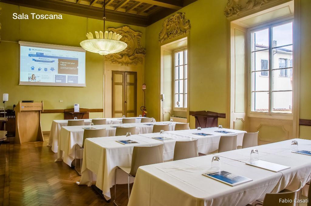 Sala attrezzata per conferenze