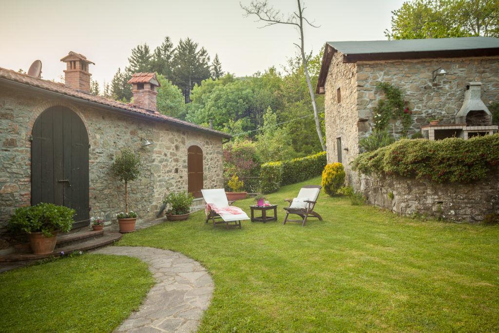 Foto del Giardino di Casa di Campagna con annessi