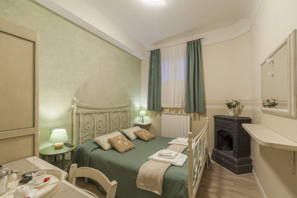 Immagine ampia della stanza di un Hotel